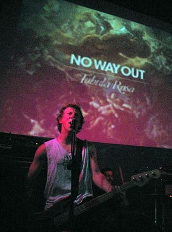No Way Out, espíritu teenager