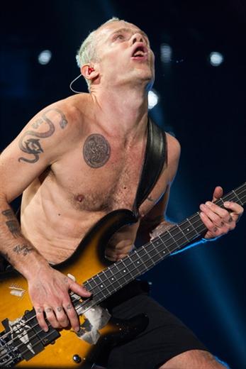 Red Hot Chili Peppers, pacto con el diablo