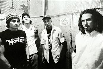 Rage Against The Machine anuncian edición especial de su primer disco