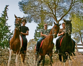 Schwarz cabalgan por Andalucía