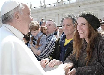 Patti Smith lloró cuando supo que el papa se llamaría Francisco