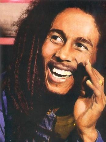 """Escucha el remix del """"Waiting In Vain"""" de Bob Marley por Jim James"""