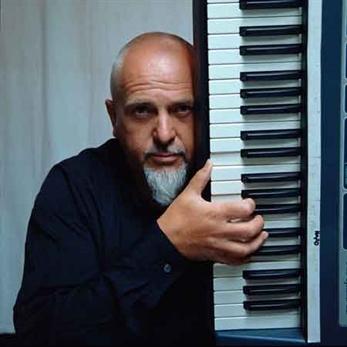 Peter Gabriel prepara material nuevo para el 2014