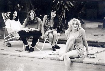 Courtney Love da marcha atrás con la reunión de los Hole clásicos