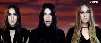 Haim dan miedo en el clip junto a Calvin Harris