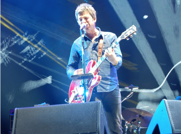 Noel Gallaghers_high_flying_birds_fuji_rock_2015