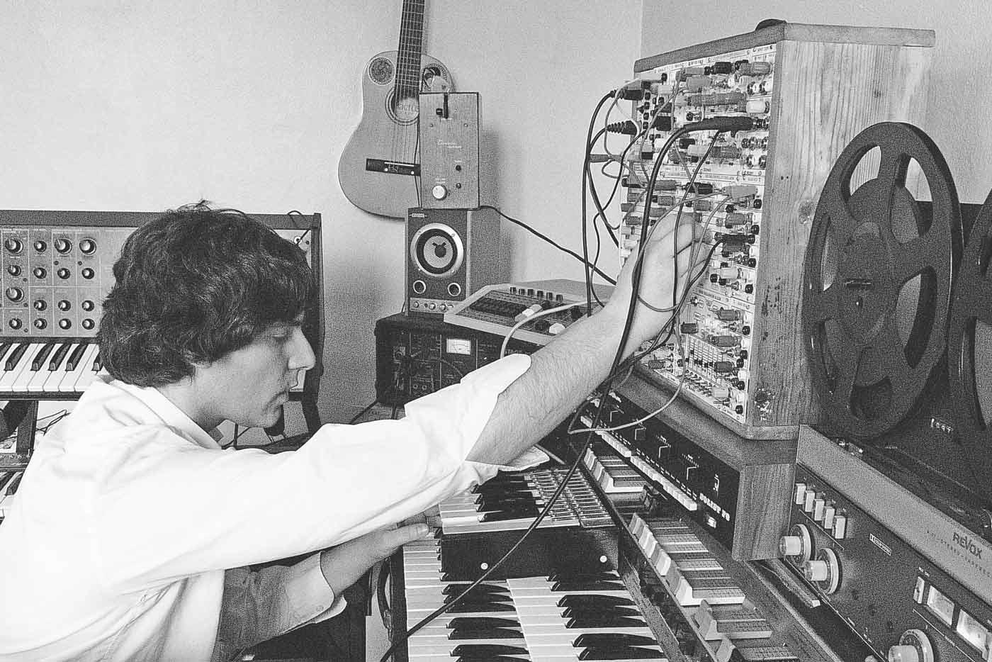 """Diego García, Huias y Edredón eligen sus discos de """"electrónica analógica"""" favoritos"""