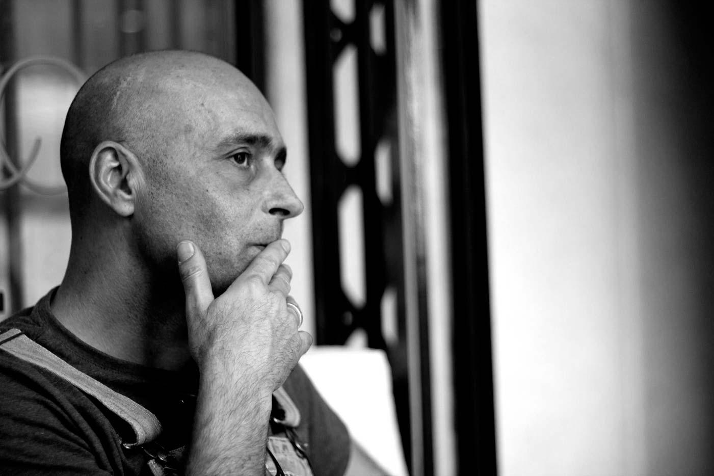 Javier Corcobado, con banda eléctrica, en directo en Bilbao