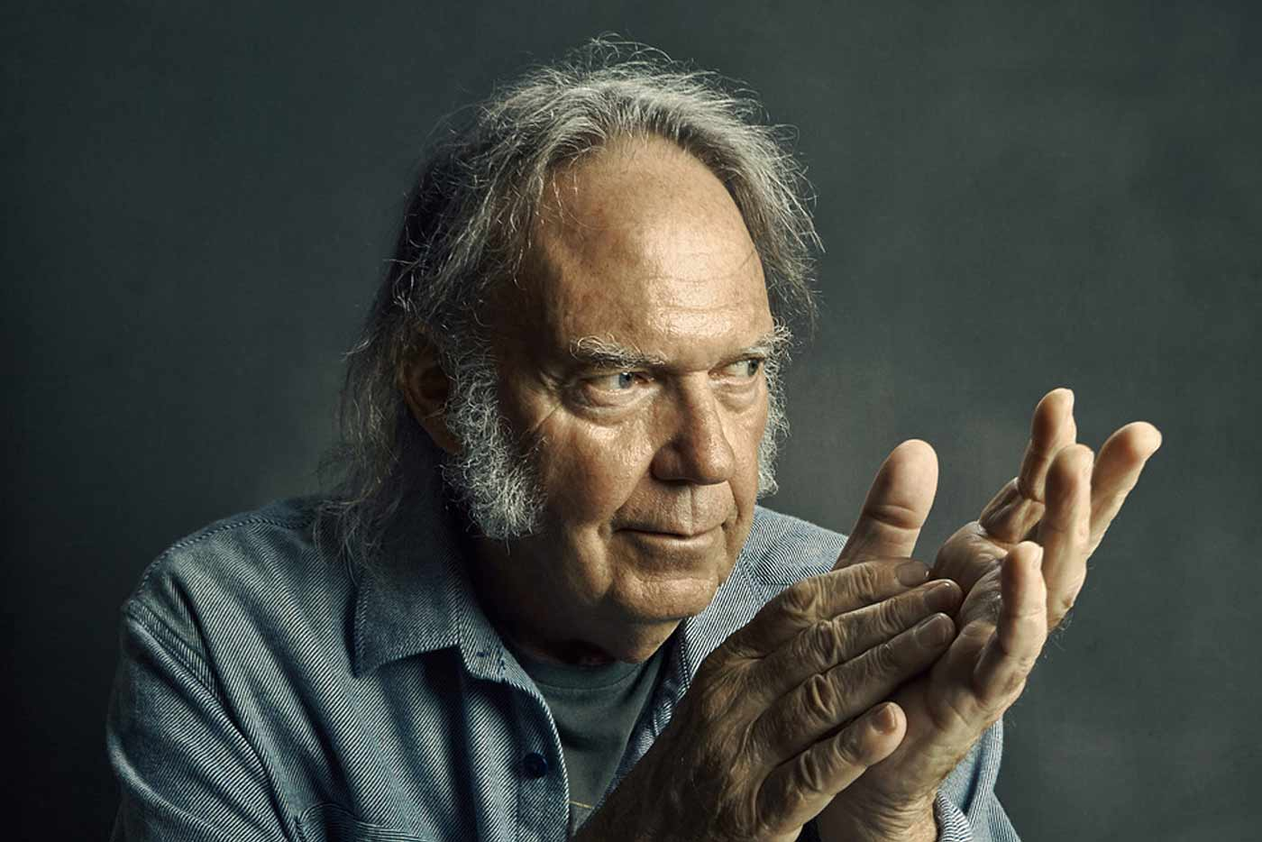 Neil Young pone voz a una campaña para salvar a las pequeñas salas