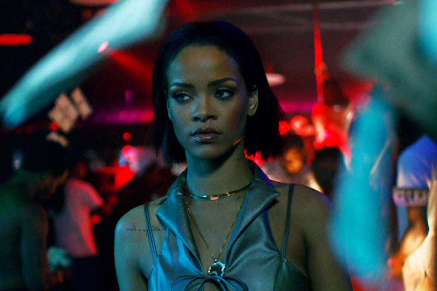 """Rihanna ataca de nuevo con el vídeo de """"Needed Me"""""""