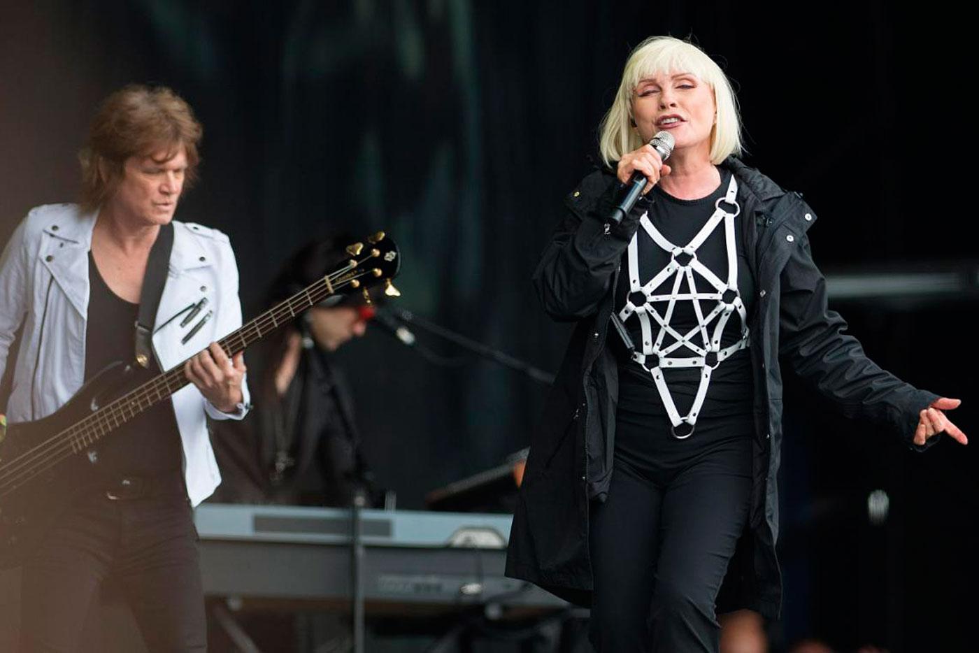 Sia, Johnny Mar y Charli XCX colaboran en lo nuevo de Blondie