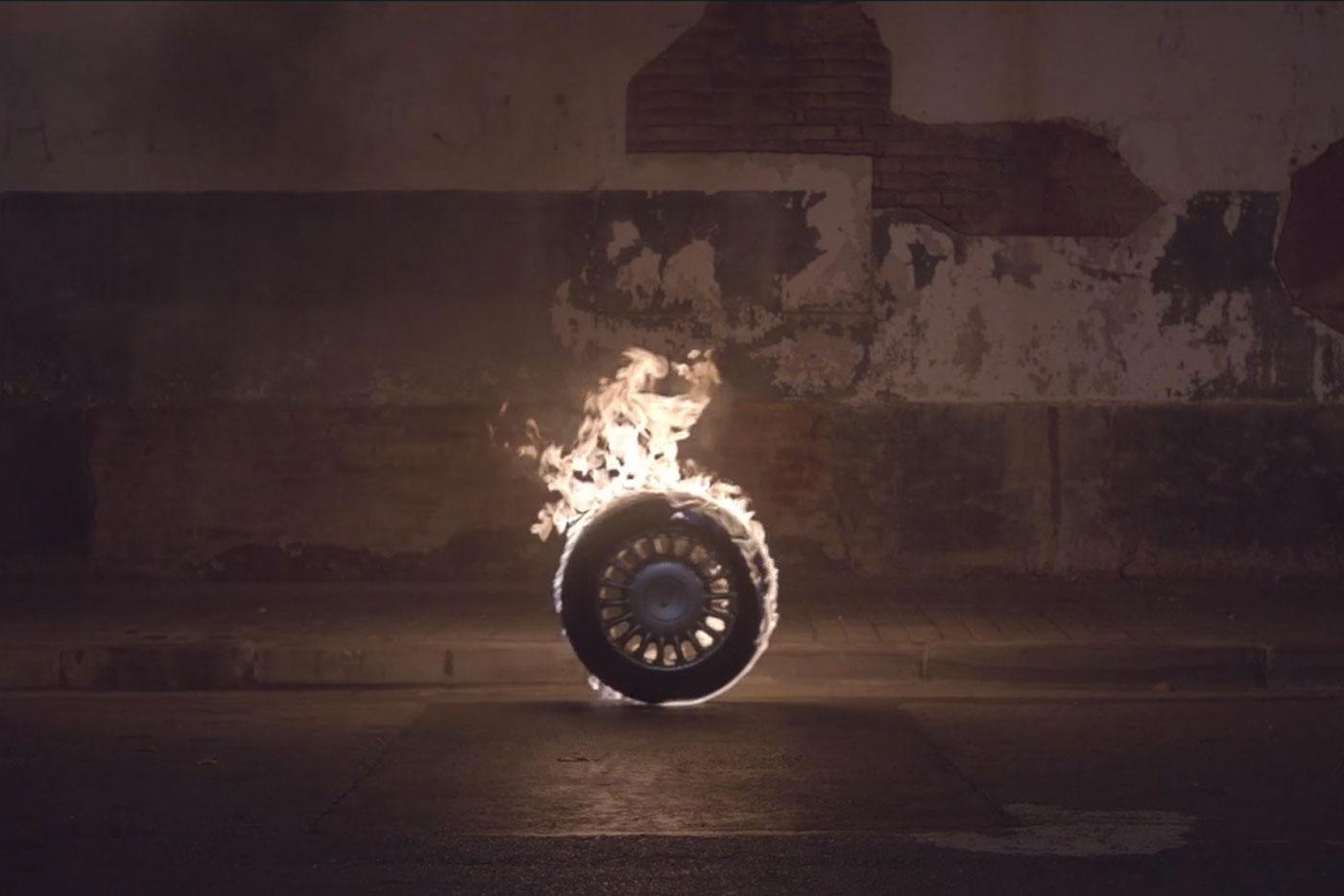 """Aliment estrenan vídeo para """"Car Crash"""""""