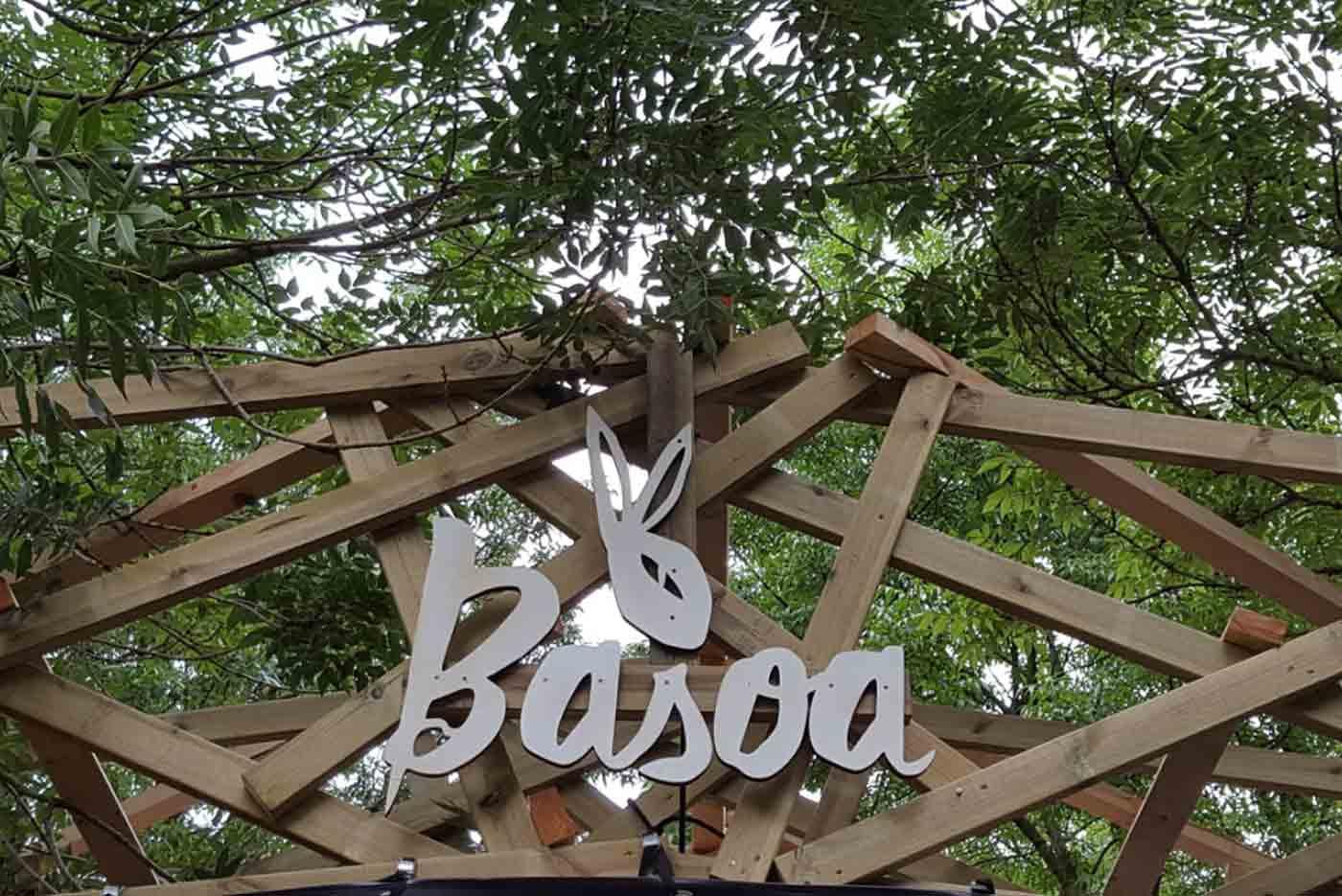 Basoa, rave en el bosque