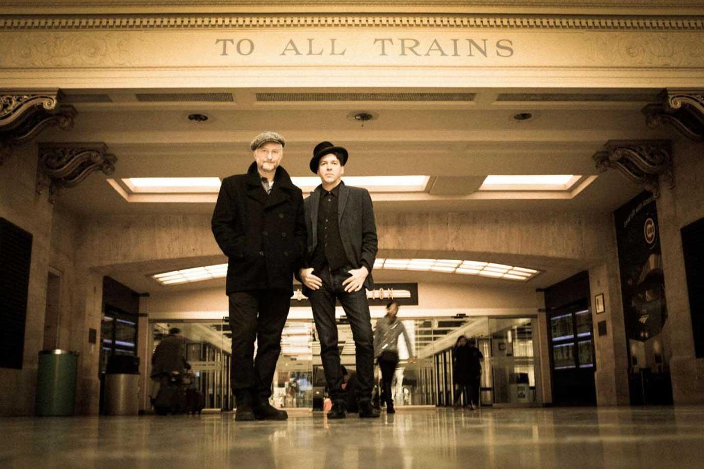 Billy Bragg y Joe Henry versionan a Johnny Cash