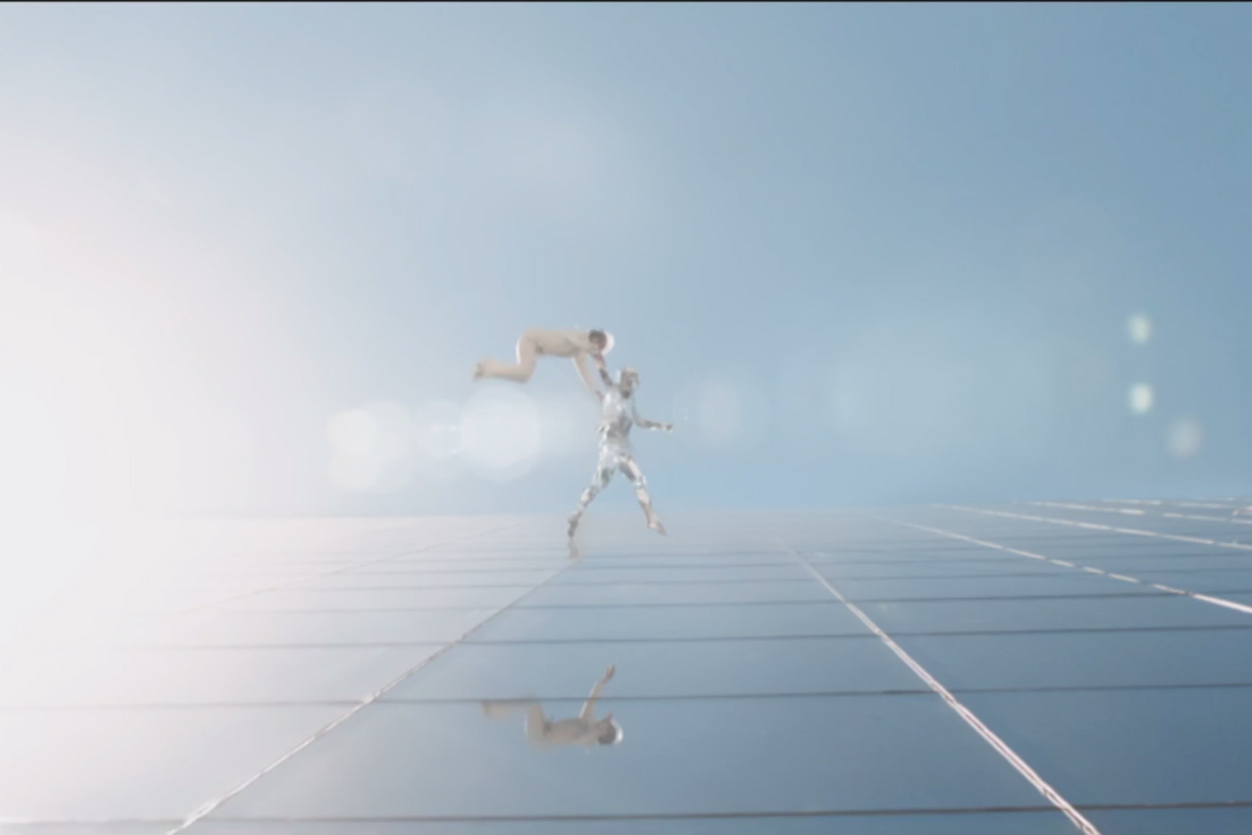"""Flume y Tove Lo lanzan el vídeo de """"Say It"""""""