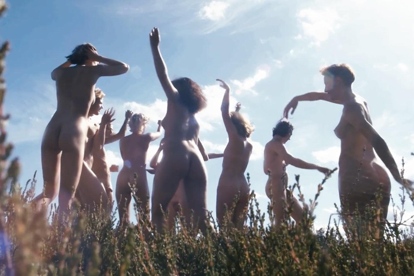 Nudismo, naturaleza y arte en el primer vídeo de LIV
