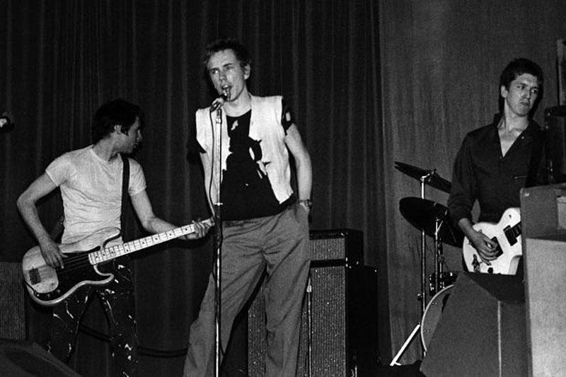 Sex-Pistlos-el-4-junio-1976,-foto-de-Paul-Welsh