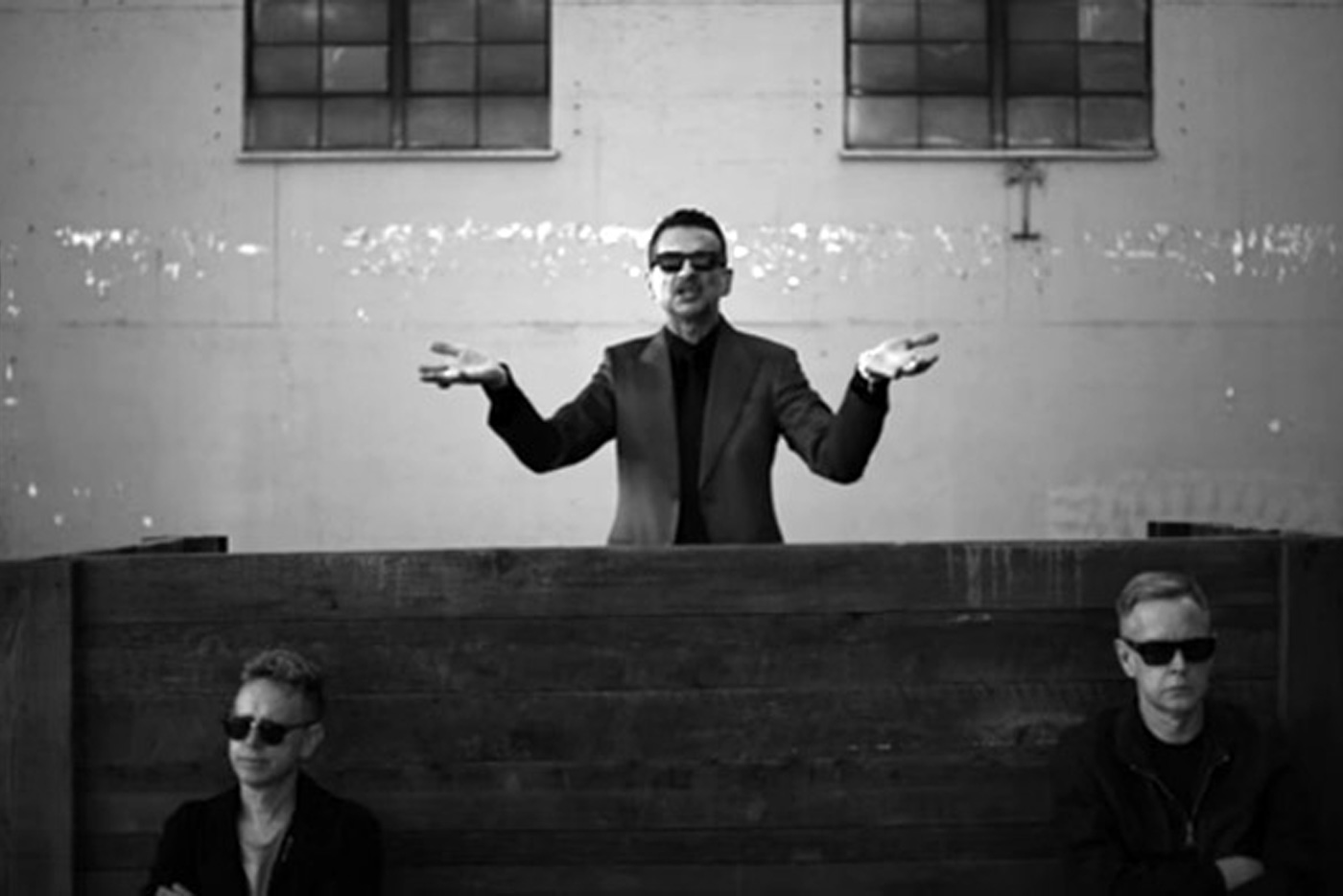 "Remixes del ""Where's The Revolution"" de Depeche Mode"