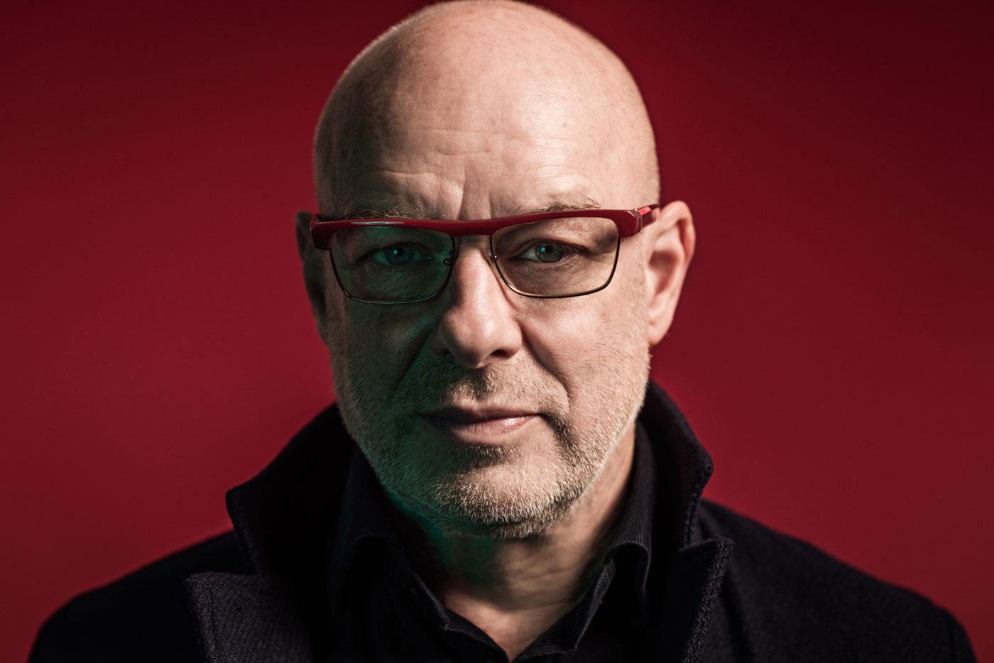 El viaje espacio-temporal de Brian Eno en diez estaciones