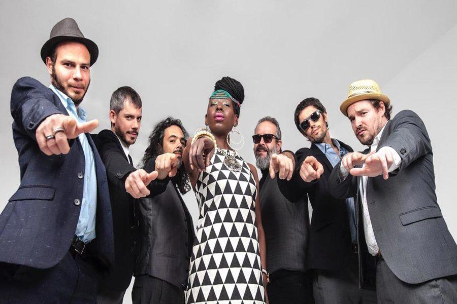 Shirley Davis & The SilverBacks