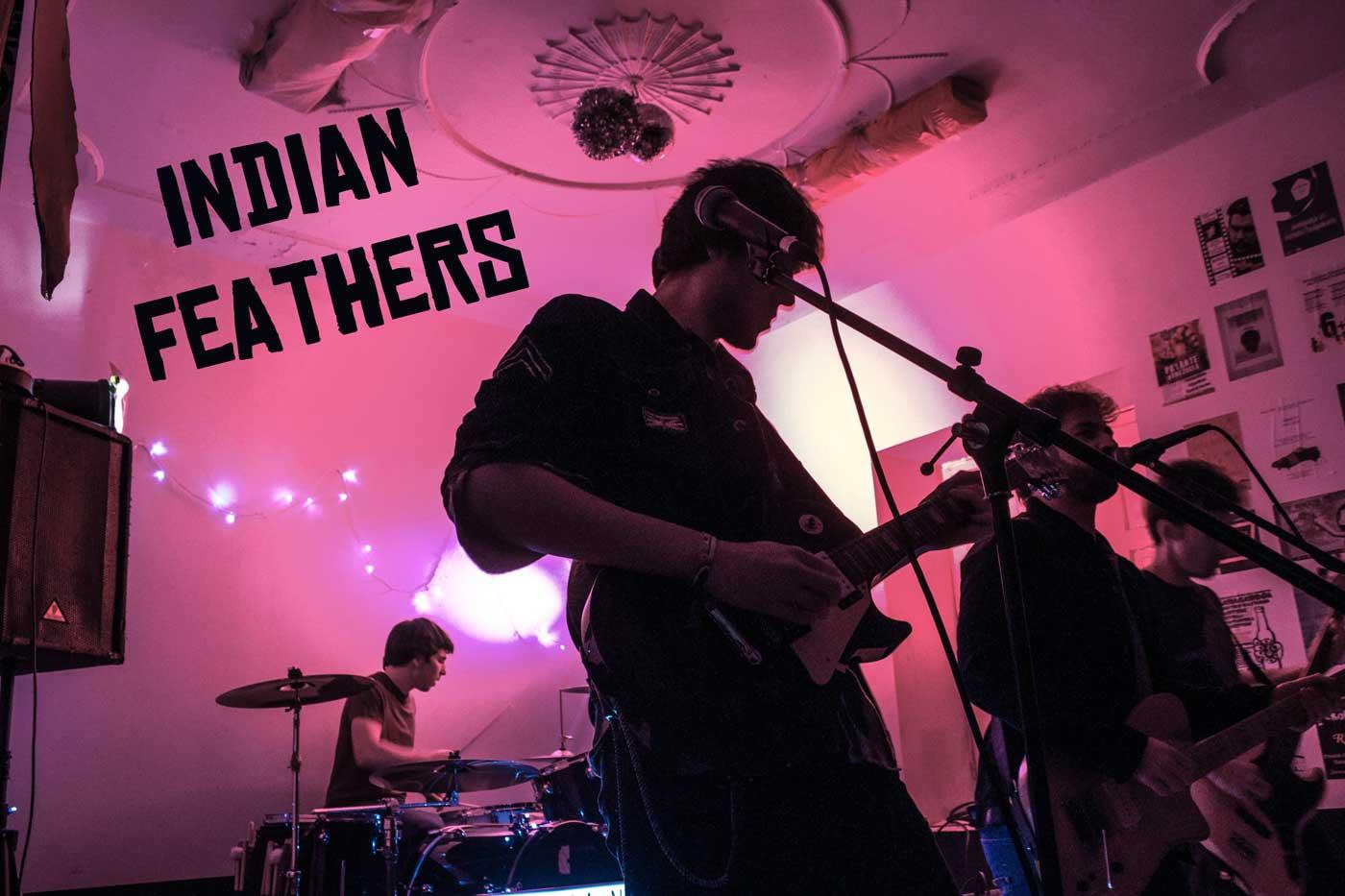 """Estrenamos """"45 noches"""", el nuevo EP de los donostiarras Indian Feathers"""