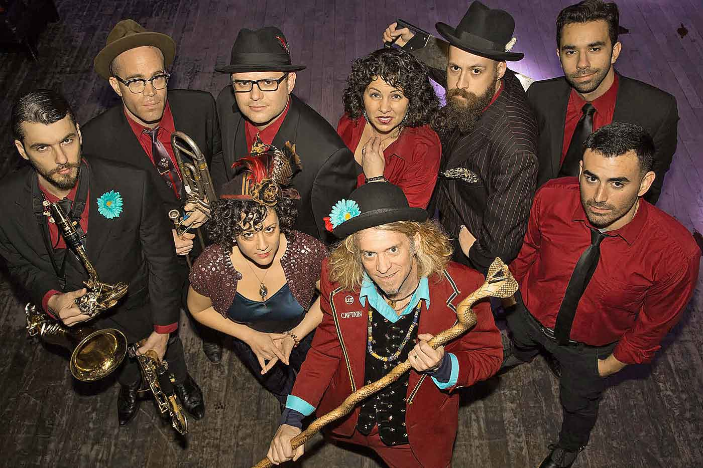 Retrovisor: Squirrel Nut Zippers