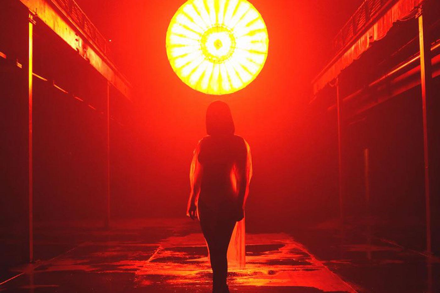 "Charli XCX lanza el videoclip de ""5 In The Morning"""