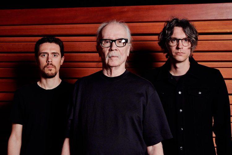 """John Carpenter comparte dos nuevos temas, """"Skeleton"""" y """"Unclean Spirit"""""""