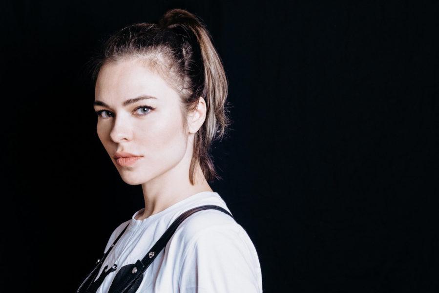 Nina Kraviz por Camille Blake 2018