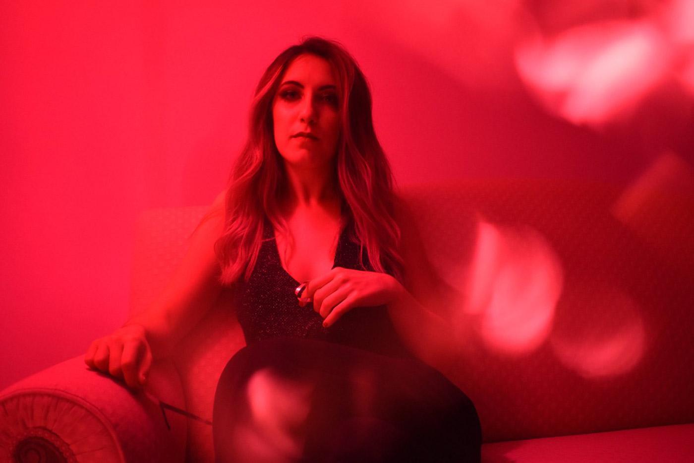 """Estrenamos el videoclip de """"For Sale"""" de Marta Delmont"""