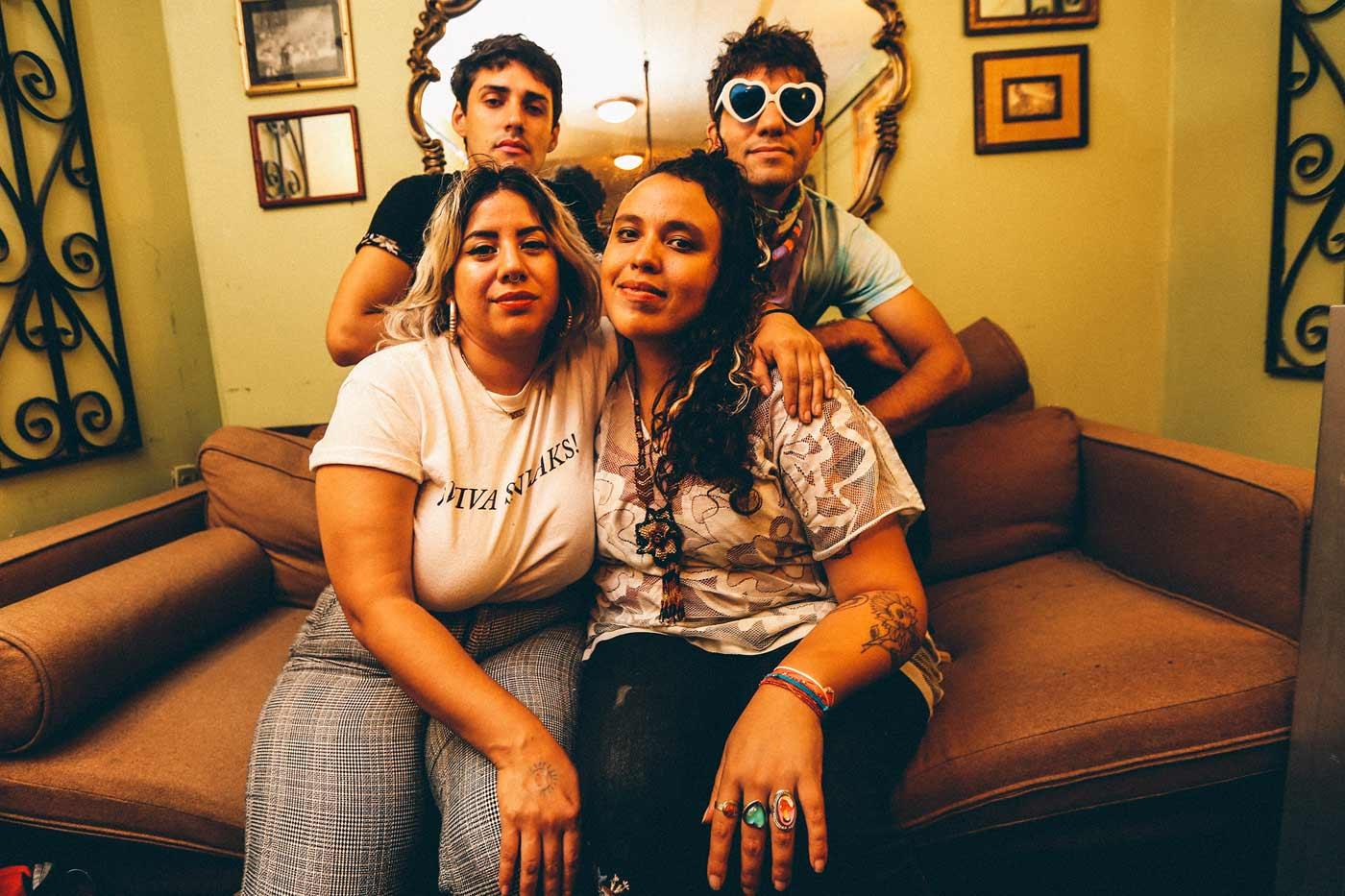 Artistas eliminan su música de Amazon Music por sus vínculos con ICE