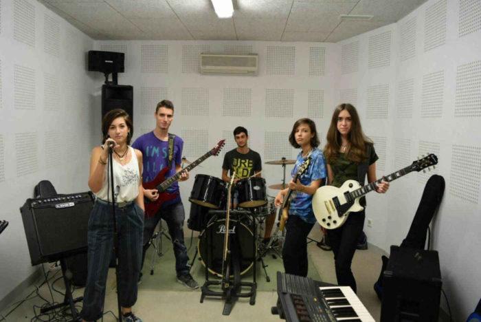 Zynk son parte del Bandas Callejeras del ciclo 12 Lunas.
