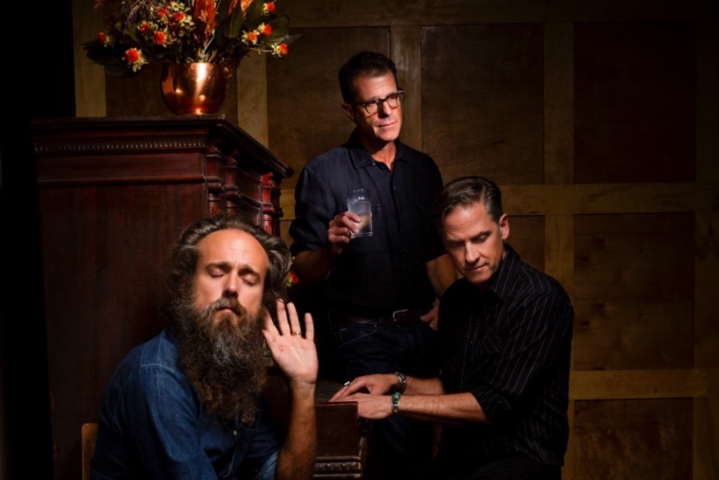 "Calexico e Iron & Wine se alían en ""Years to Burn"""
