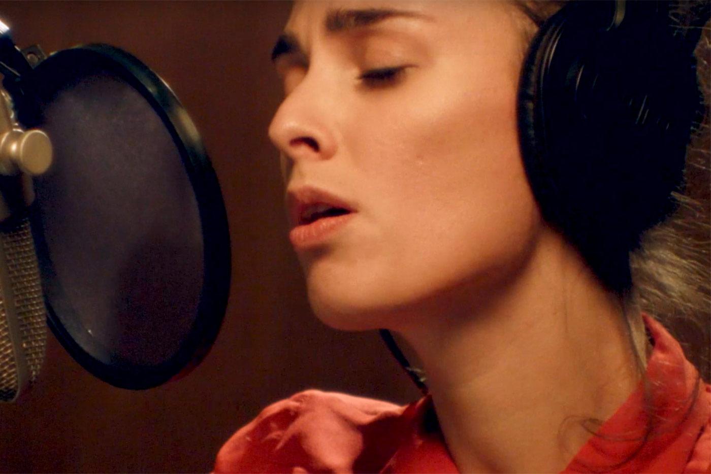 Estrenamos videoclip de la neoyorquina Sophie Auster