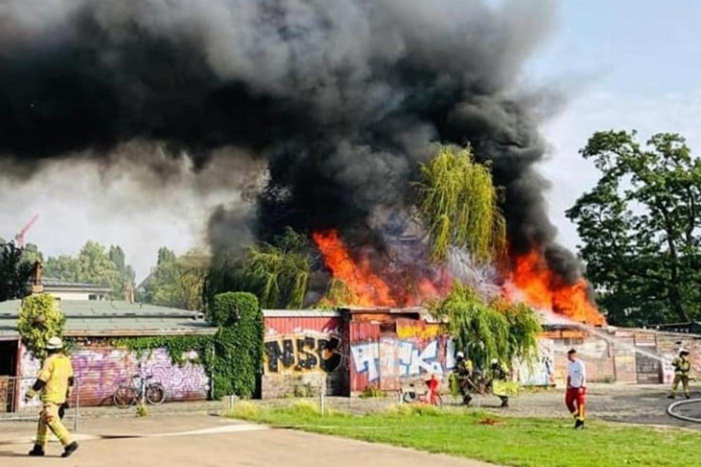 Incendio en el mítico Club Der Visionaere berlinés