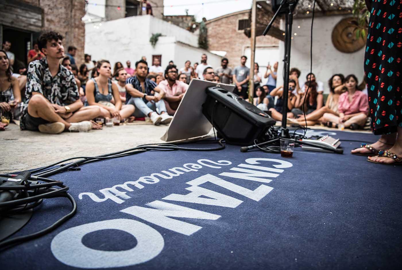 Sofar Sounds estrena los vermuts musicales más íntimos de la mano de Cinzano