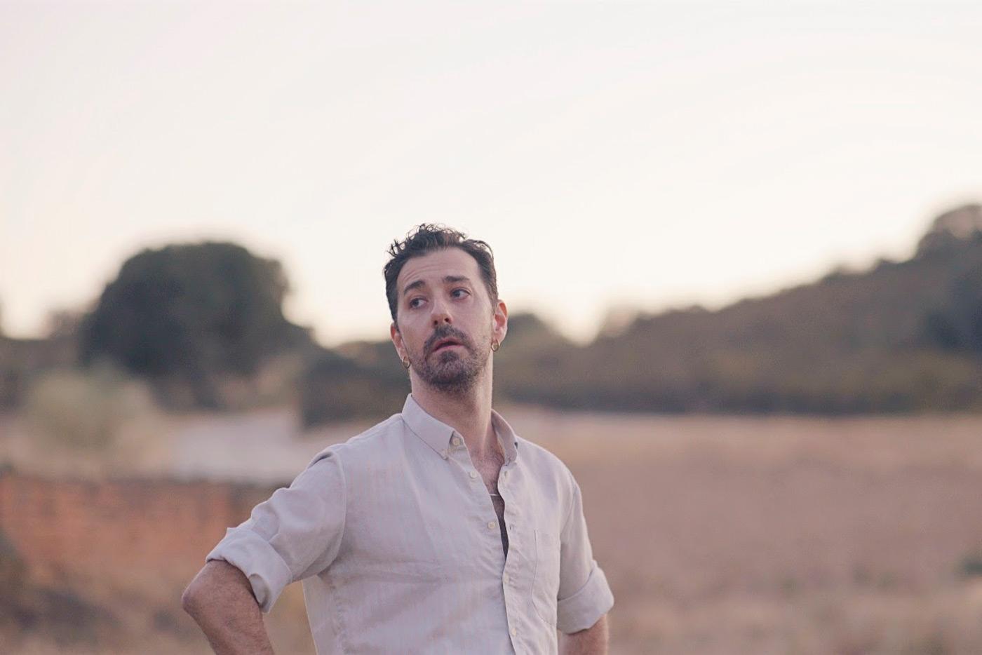 """Vicente Navarro presenta el videoclip de """"Un llanto"""""""