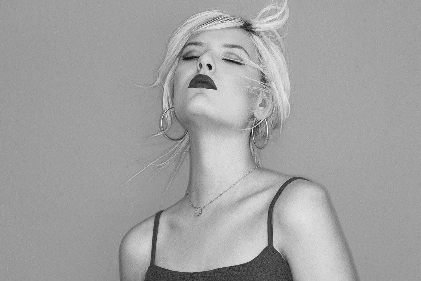 "Estrenamos en exclusiva ""Strangers"", nuevo single de Sofia Buckingham"