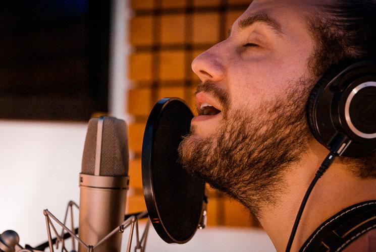 """Estrenamos vídeo en directo de """"Resucitó"""", el nuevo single de Ayora"""