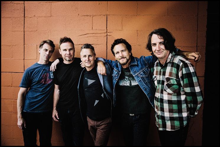 Pearl Jam lanzan por primera vez en streaming sus singles navideños