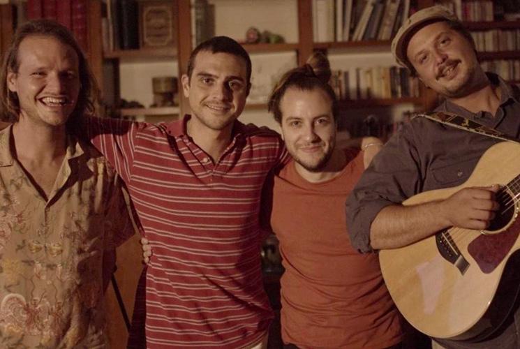 """AYORA y Club del Río estrenan una versión acústica de """"Resucitó"""""""