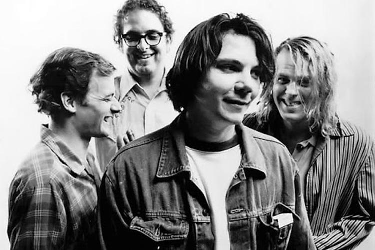 """""""A.M."""" de Wilco, 25 años de una pequeña obra maestra"""