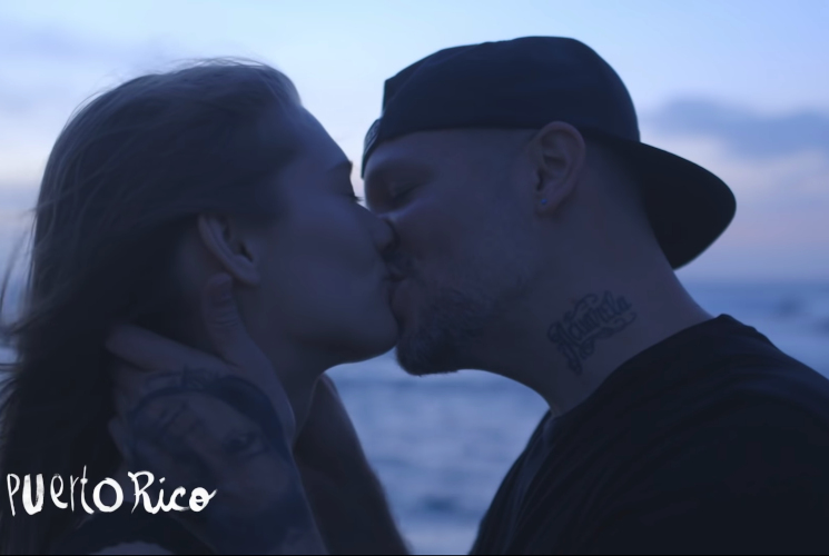 """Residente, besos alrededor del mundo en """"Antes que el mundo se acabe"""""""