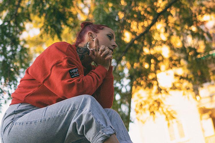 """Estrenamos """"Busy"""", el nuevo single y videoclip de Belén Natalí"""