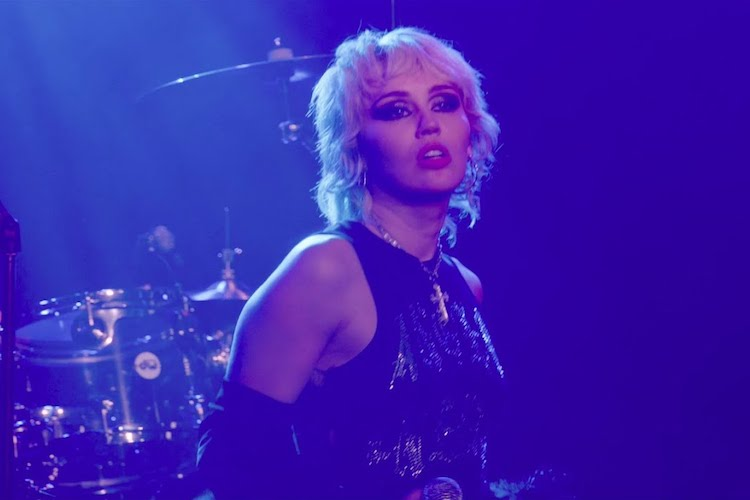 Miley Cyrus versiona a The Cure y The Cranberries