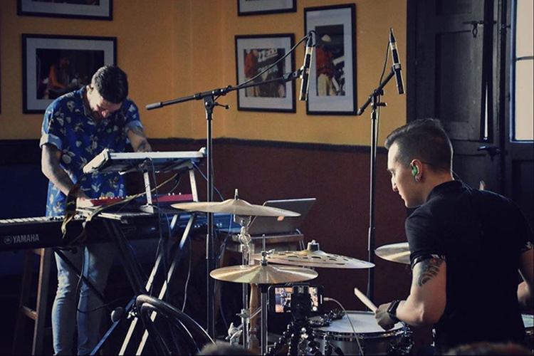 "El dúo 80/20 presenta su primer single, ""Premeditatio Malorum"""