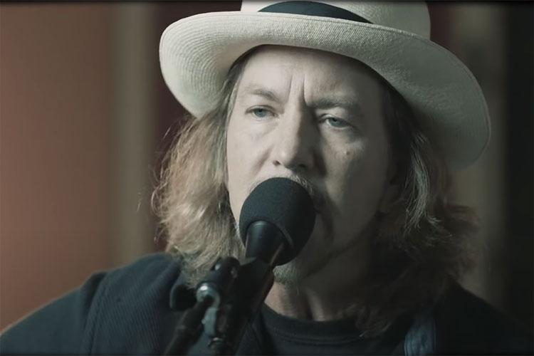 Eddie Vedder (Pearl Jam) publica dos nuevas canciones en solitario