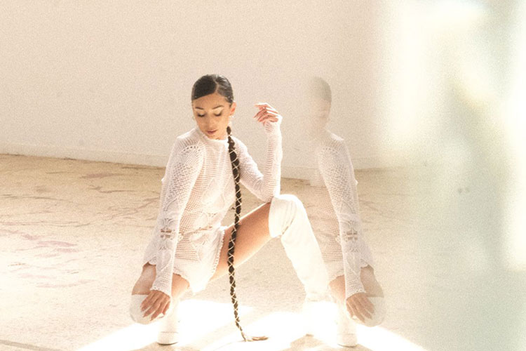 """Izah estrena tema y videoclip con """"Love Me Better"""""""