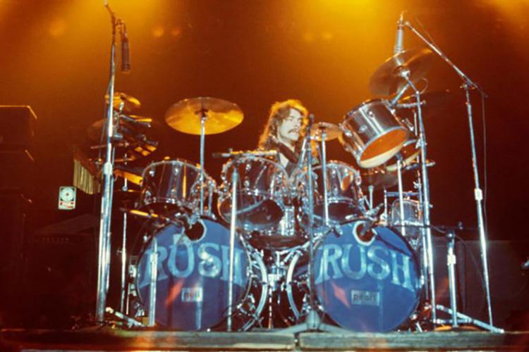 La batería de Neil Peart (Rush) podría alcanzar los 100.000 dólares en una subasta