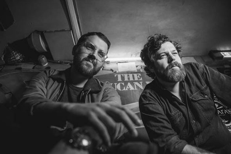 "Bear's Den anuncian un EP navideño: ""Christmas, Hopefully"""